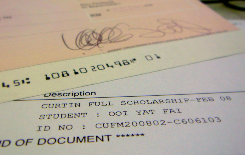 How to Simplify the Scholarship Application Process