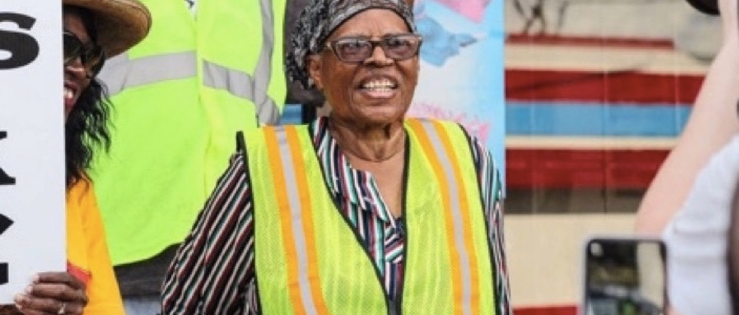 This 90-year-old didn't hear back from Obama. So she's walking to the White House.