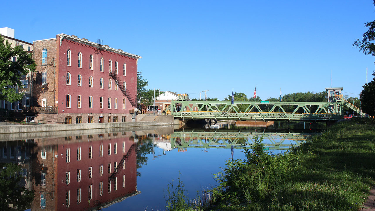 Eriecanal featured